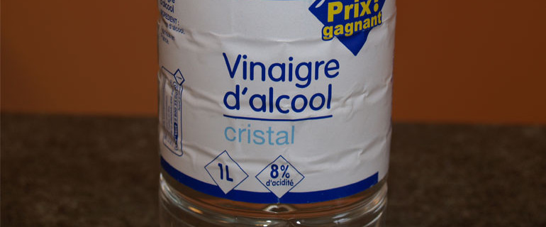 Nettoyer avec du vinaigre d alcool vinaigre blanc bricoleur malin - Fixer les couleurs avec du vinaigre blanc ...